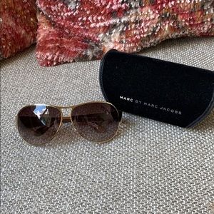 Marc by Marc Jacobs Aviator Style sunglasses